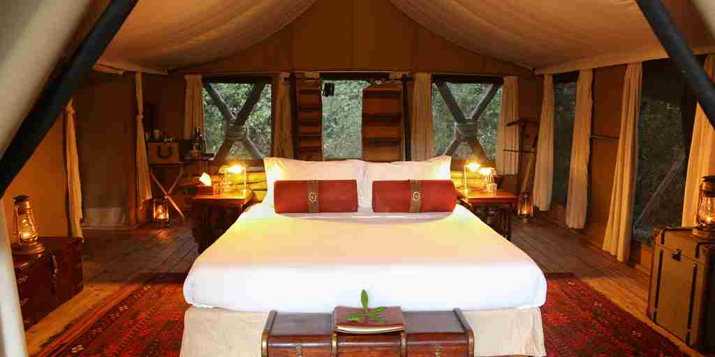 mara-expeditions-double-bed-kenya-yellow-zebra-safaris.jpg