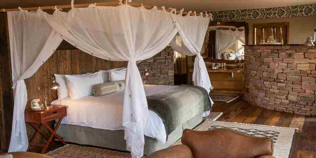 mpala-jena-camp-bedroom-zimbabwe-yellow-zebra-safaris.jpg