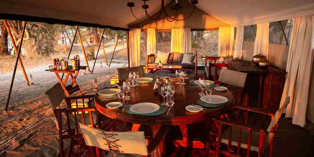 sapi-explorers-camp-dining-zimbabwe-yellow-zebra-safaris.jpg