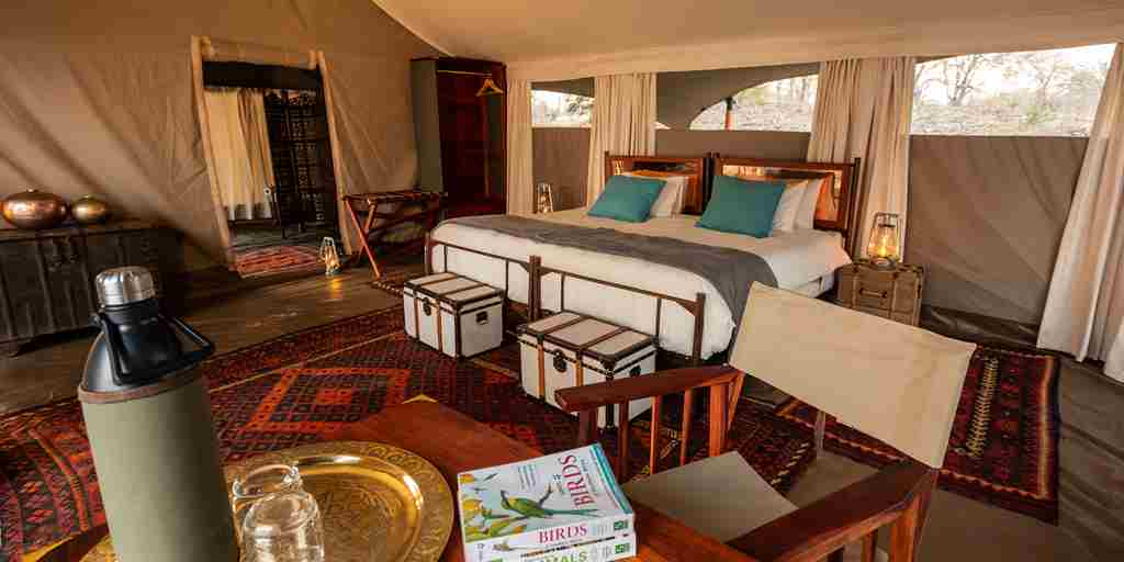 sapi-explorers-camp-double-room-zimbabwe-yellow-zebra-safaris.jpg
