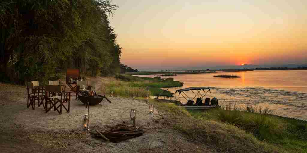 sapi-explorers-camp-sunset-zimbabwe-yellow-zebra-safaris.jpg