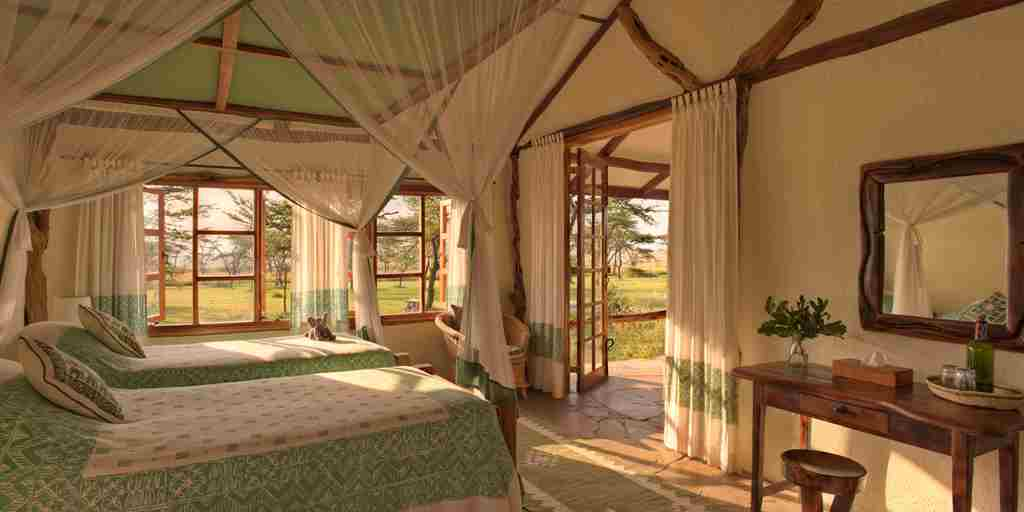 Topi-House-bedroom-kenya-yellow-zebra-safaris.jpg