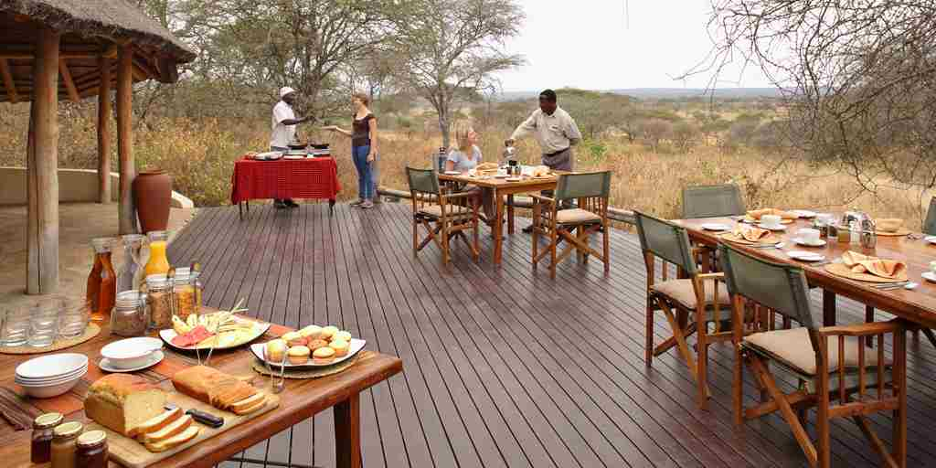 little-olivers-dining-tanzania-yellow-zebra-safaris.jpg