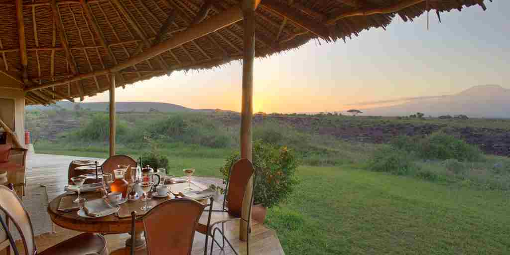 tortilis-camp-breakfast-kenya-yellow-zebra-safaris.jpg
