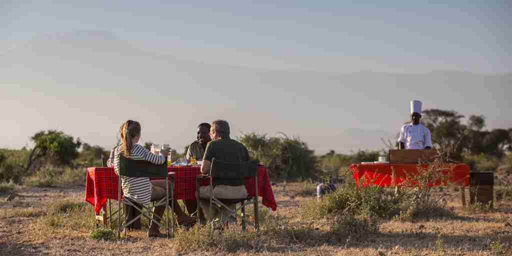 tortilis-camp-bush-breakfast-kenya-yellow-zebra-safaris.jpg