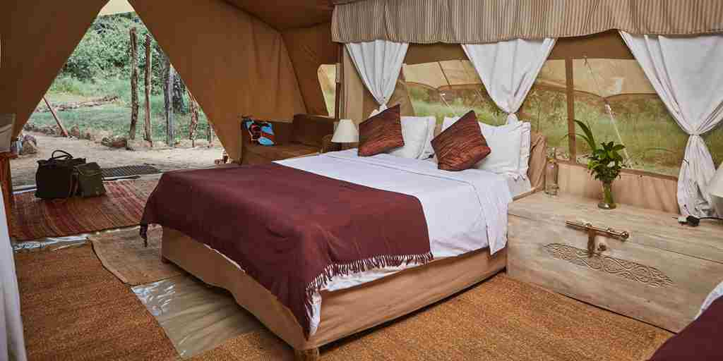 spekes-camp-double-room-kenya-yellow-zebra-safaris.jpg