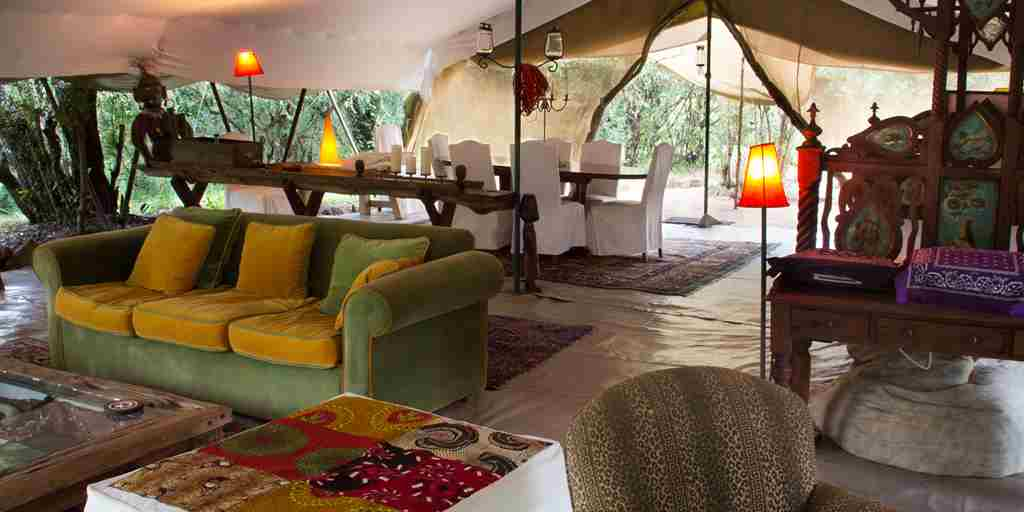 spekes-camp-lounge-kenya-yellow-zebra-safaris.JPG