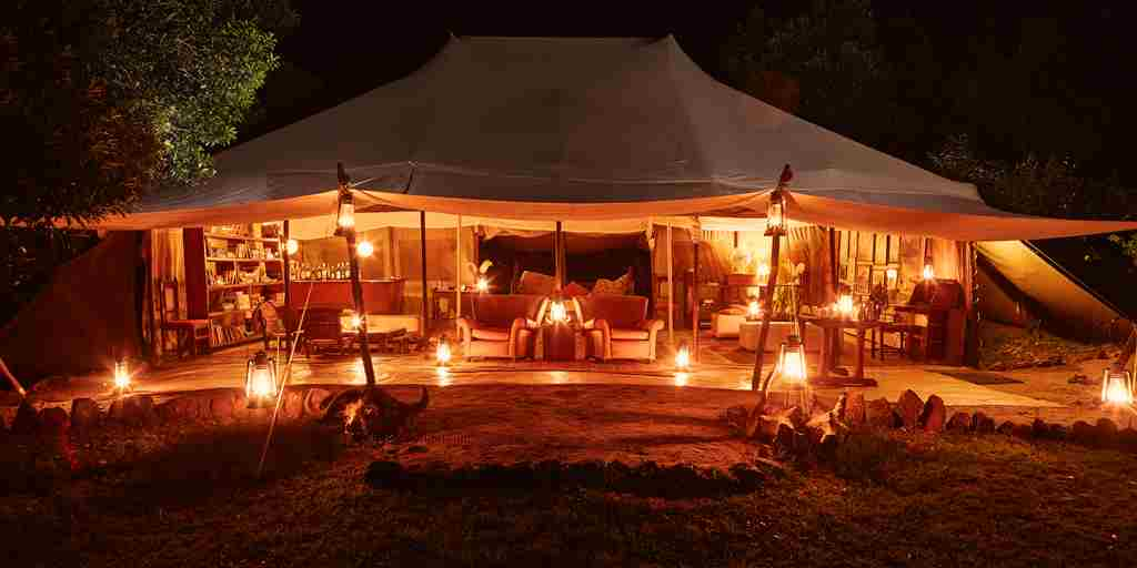 spekes-camp-night-view-kenya-yellow-zebra-safaris.jpg