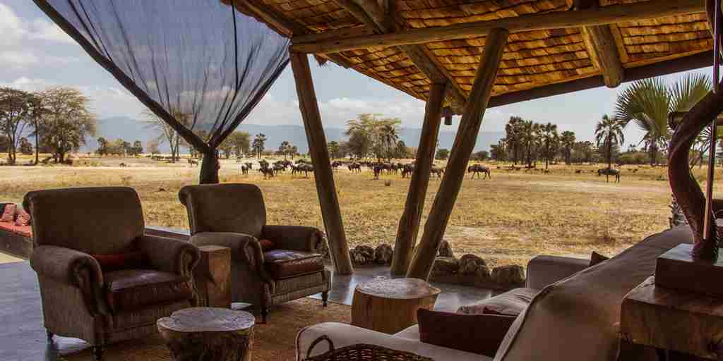 chem-chem-safari-lodge-main-area-tanzania-yellow-zebra-safaris.jpg