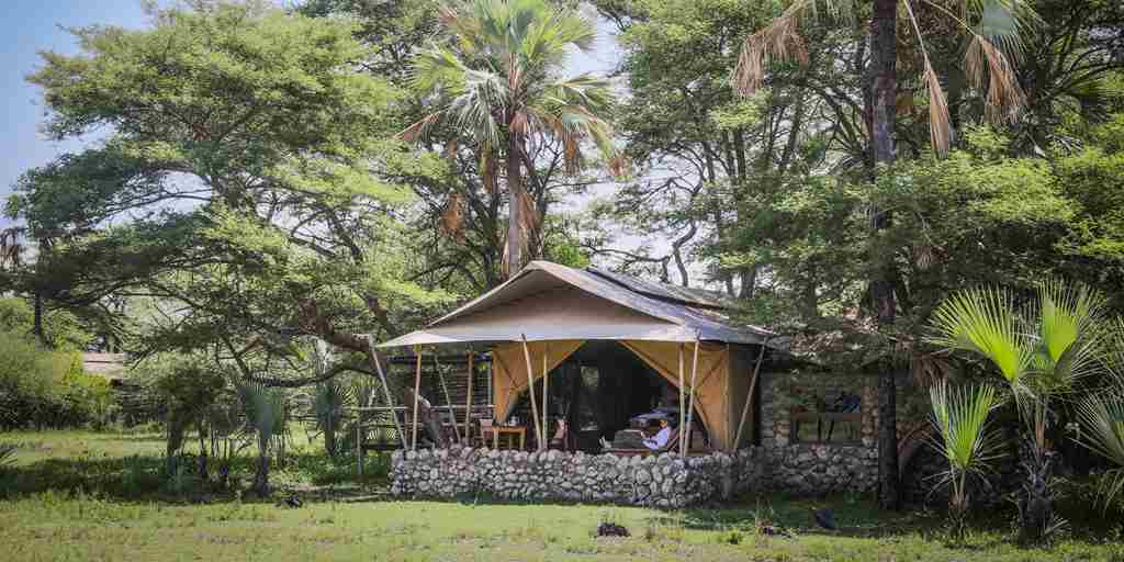 chem-chem-safari-lodge-tent-exterior-tanzania-yellow-zebra-safaris.jpg
