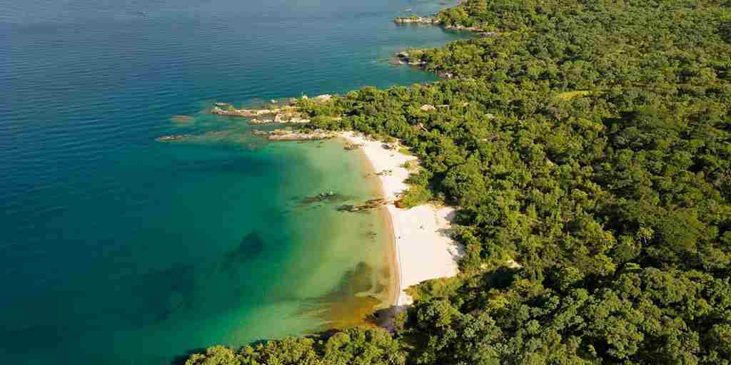 11. November in Malawi malawi-beach-aerial-view.jpg
