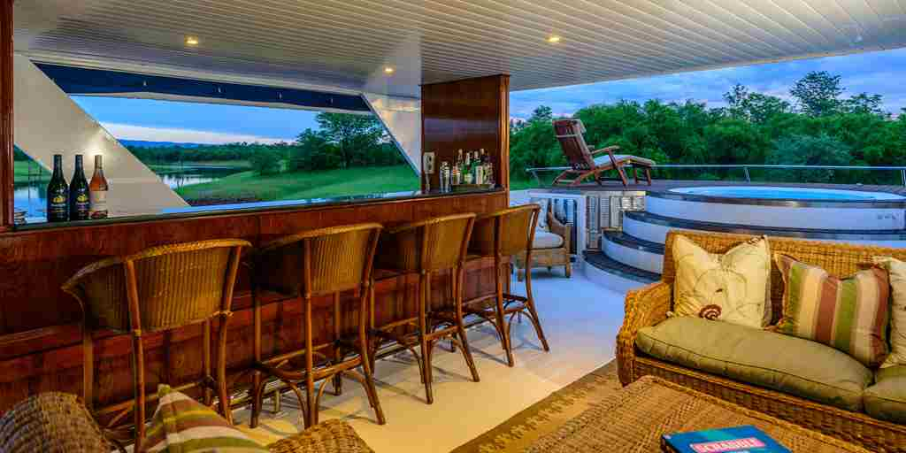 matusadona-houseboat-boat-bar-area-zimbabwe-yellow-zebra-safaris.jpg