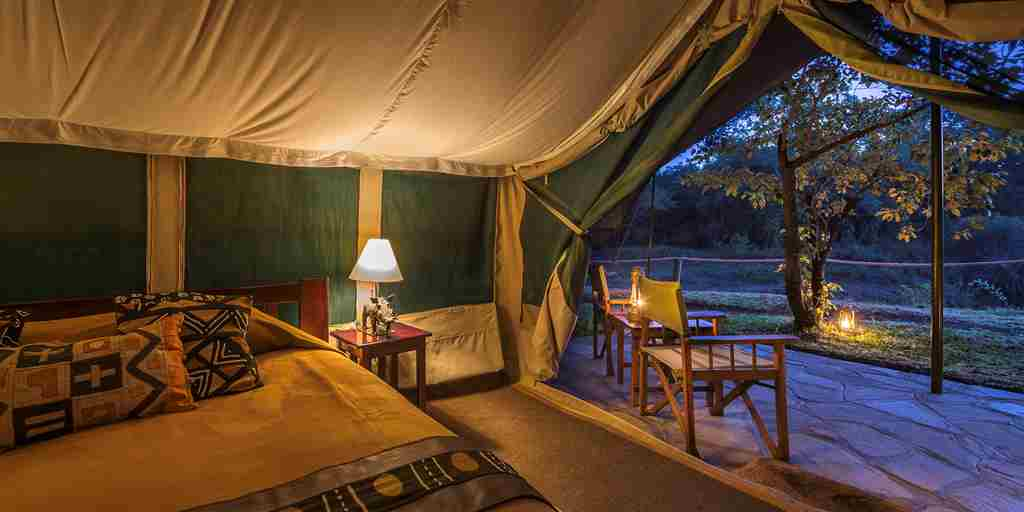 governors camp double room view kenya yellow zebra safaris