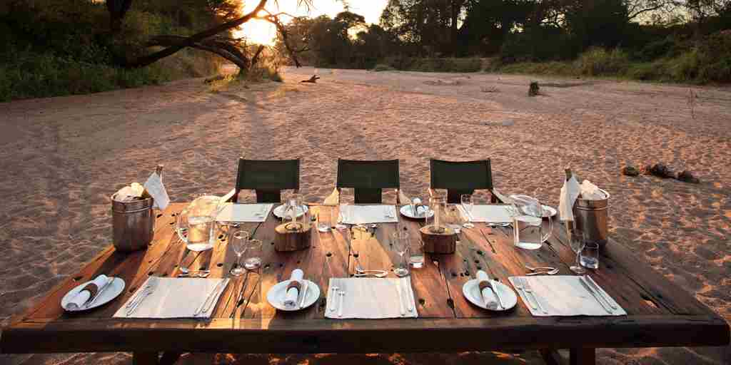Jongomero-sunset-dinner-tanzania-yellow-zebra-safaris.jpg