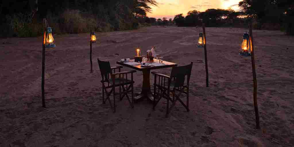 Jongomero-romantic-dining-tanzania-yellow-zebra-safaris.jpg