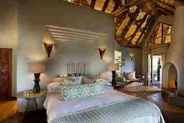 Bed in Dithaba Lodge, Madikwe