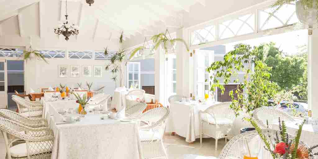 famous_breakfasts_conservatory_at_schoone_oordt_country_hotel.jpg