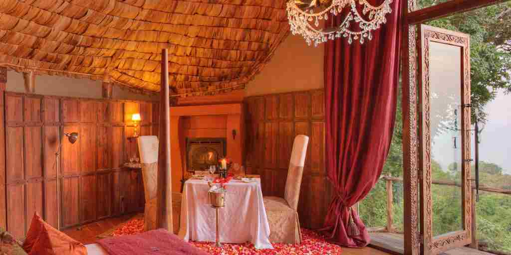 Ngorongoro_crater_lodge_guestroom5.jpg