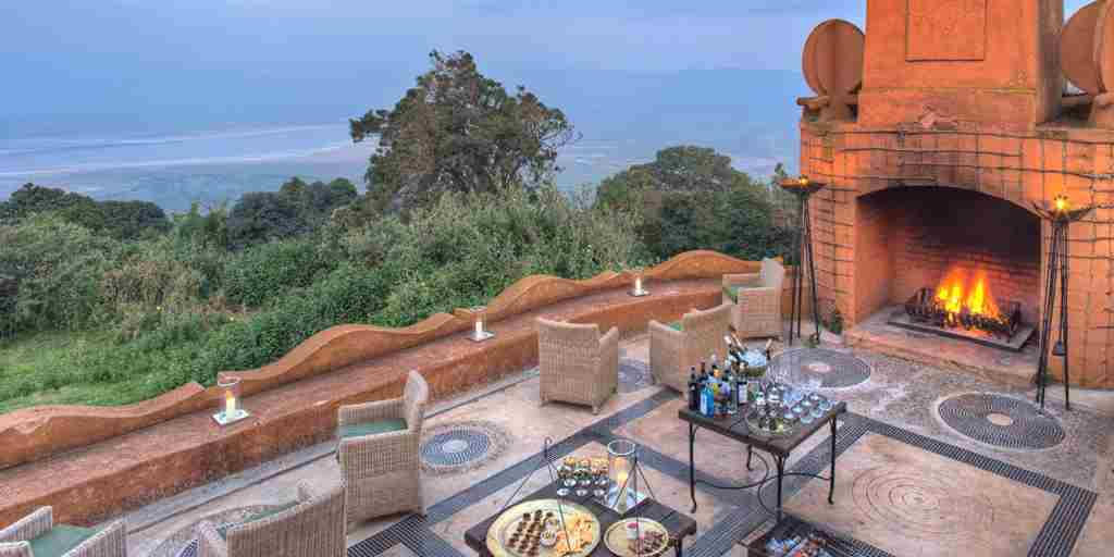 Ngorongoro_crater_lodge5.jpg