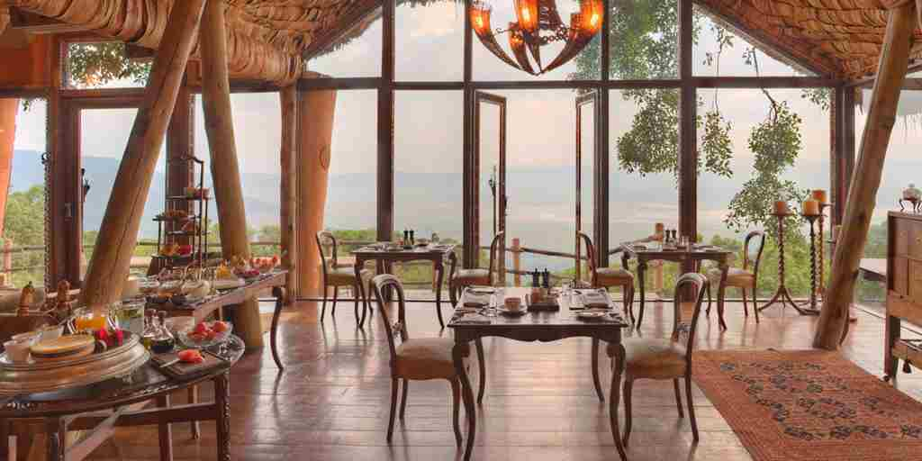 Ngorongoro_crater_lodge17.jpg