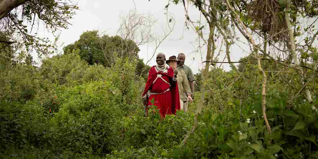 Highlands-Ngorongoro-guests-walking-Eliza-Deacon-1-HR (1).jpg (1)