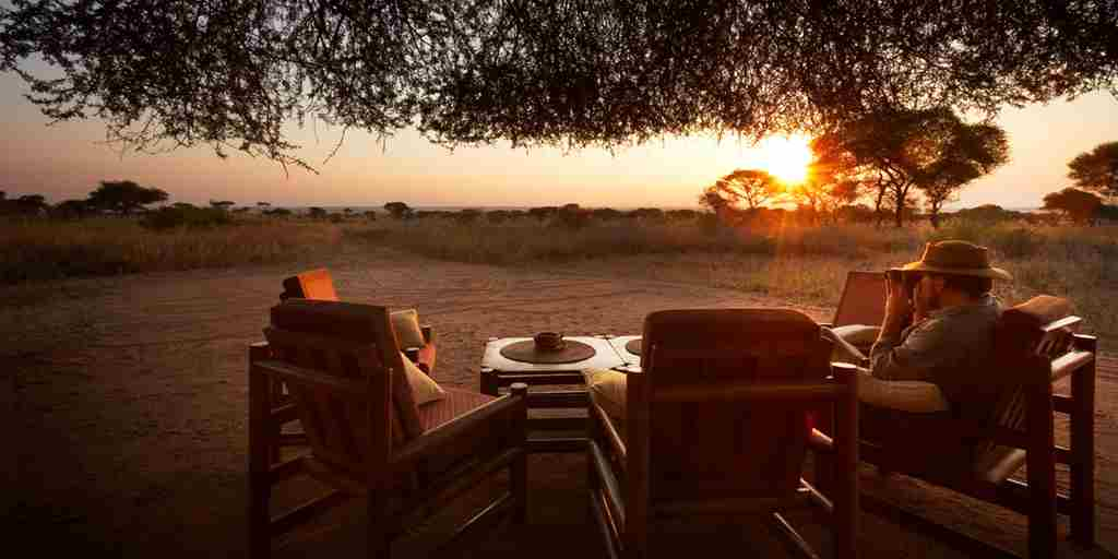 Oliver-s-Camp-Tarangire-sundowners.jpg