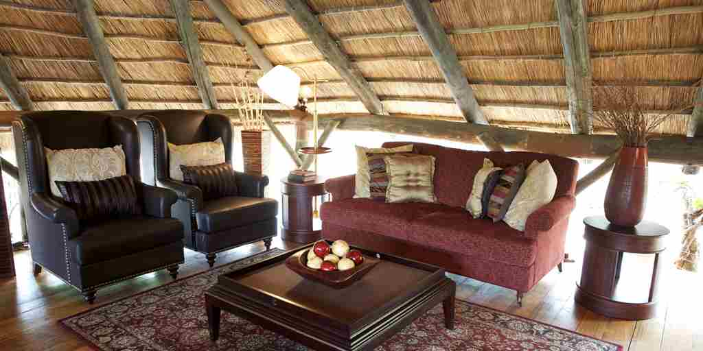 Selous Wildlife Lodge - Lounge.JPG